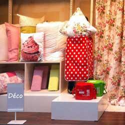 petite s lection de magasins en ligne de v tements et de mode pour toute la famille. Black Bedroom Furniture Sets. Home Design Ideas