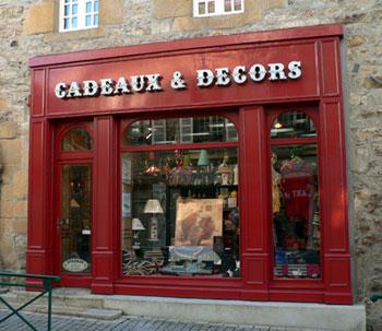 Magasin de cadeaux et de vêtements bretons, rue Alsace Lorainne